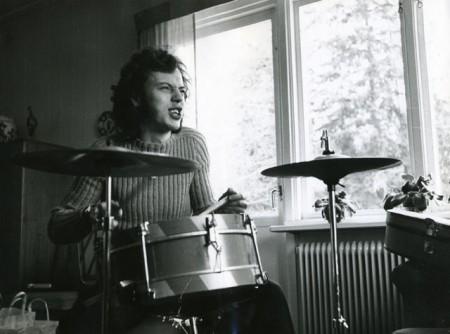 Full fart på trummorna
