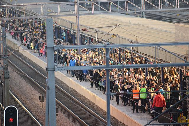 publikhav vid Solna station