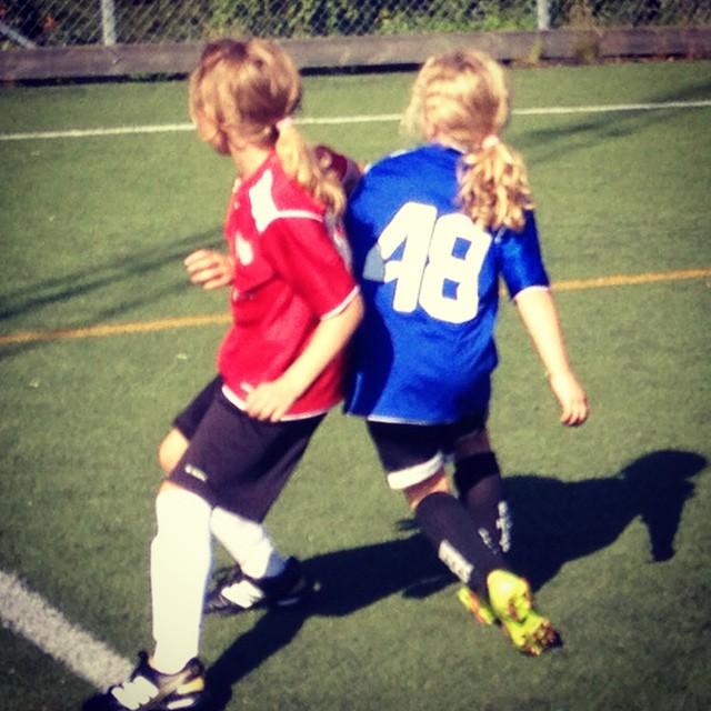 kusiner i fotbollsmatch